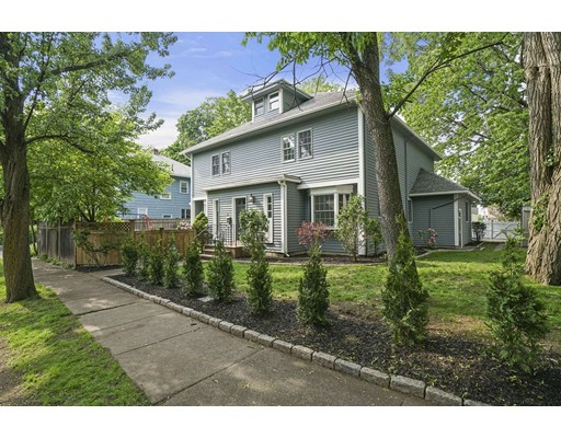 3 Adams TH, Brookline, MA 02446