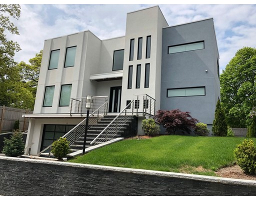 63 Edgemere Rd, Boston - West Roxbury, MA 02132