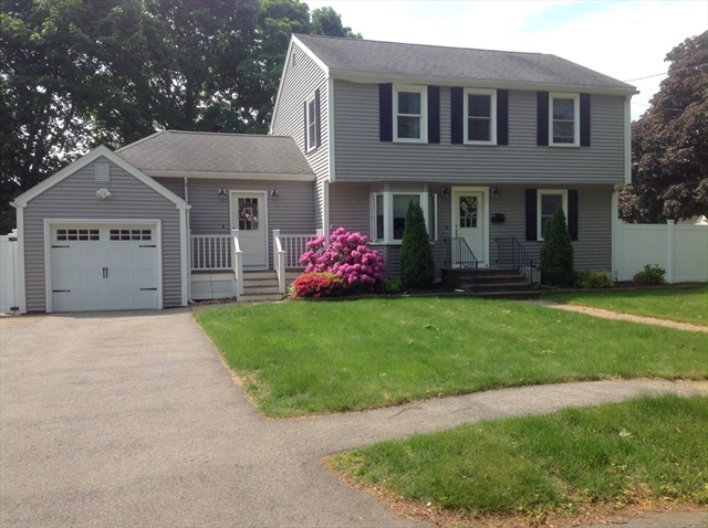 17 Country Drive Beverly MA 01915