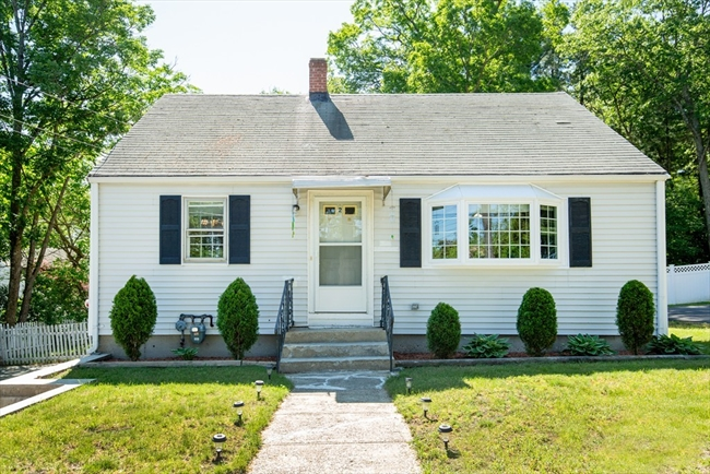 2 Great Pines Avenue Burlington MA 01803