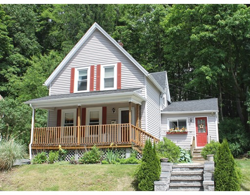 36 Beaconsfield Rd, Worcester, MA 01602