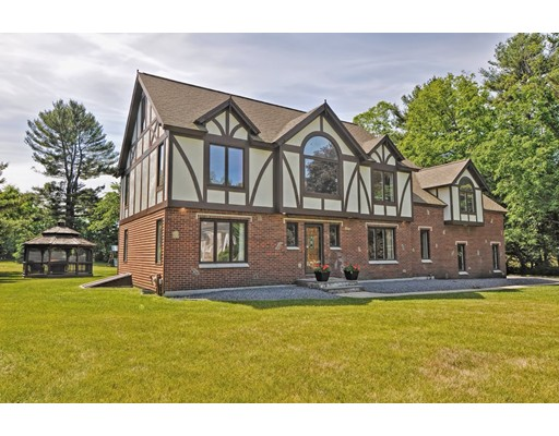 3 Swandale Dr, Mendon, MA 01756