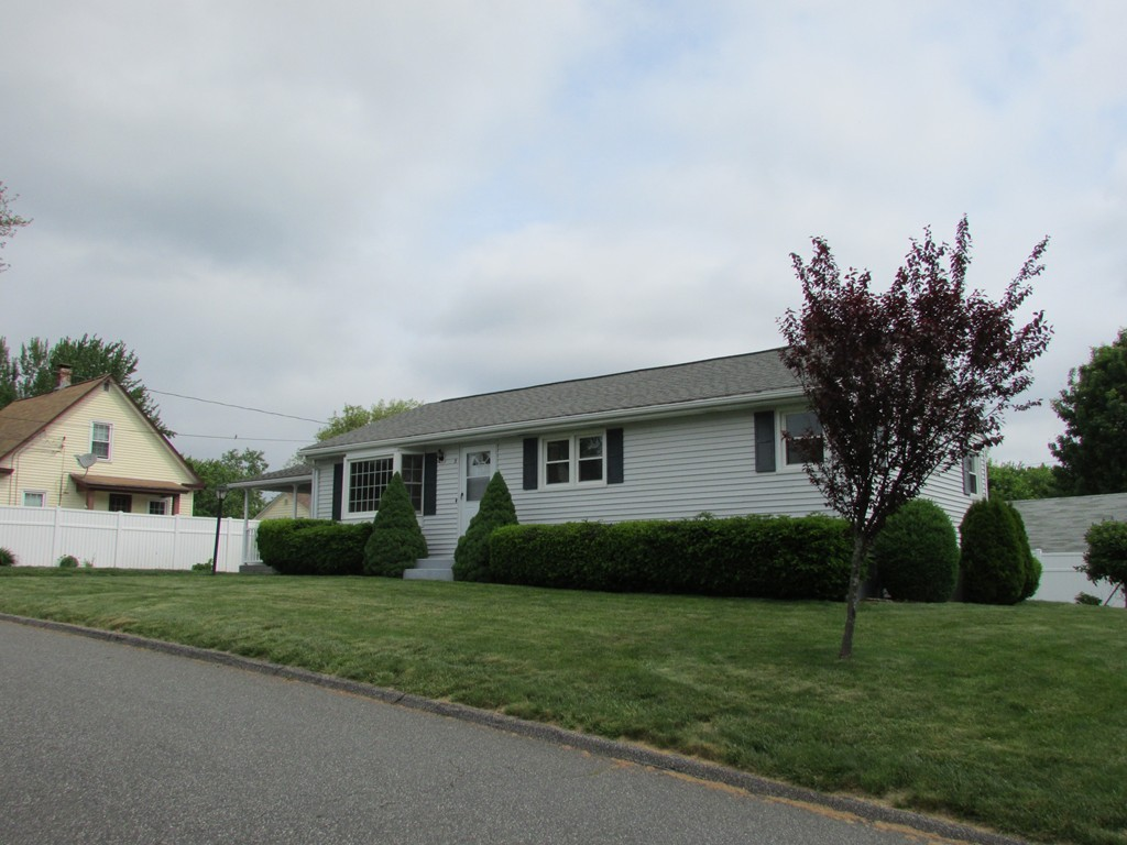 Incredible 3 Waterman Ave East Longmeadow Ma 01028 Channing Real Estate Home Interior And Landscaping Palasignezvosmurscom