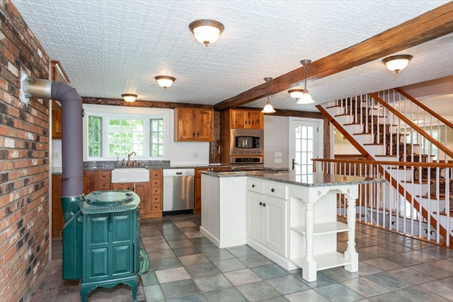 52 Old Bay Road Belchertown MA 01007