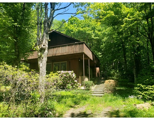 95 Lakeside Dr, Tolland, MA 01034