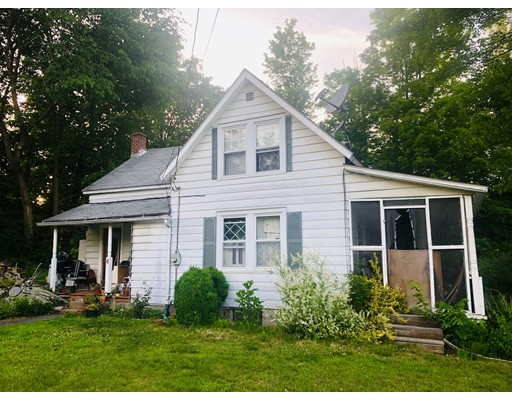 6 BLANDFORD STAGE RD, Russell, MA 01071