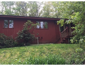 39 Country Corners Rd, Amherst, MA 01002