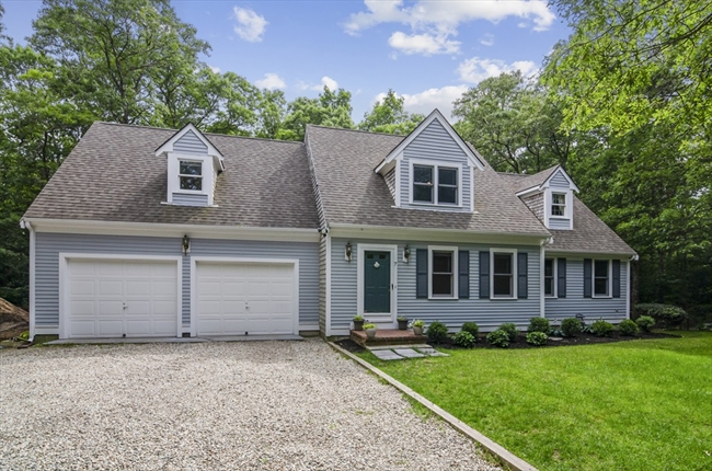 7 Hollidge Hill Lane Barnstable MA 02648