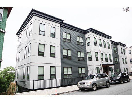 40 Fisher Ave PH 302