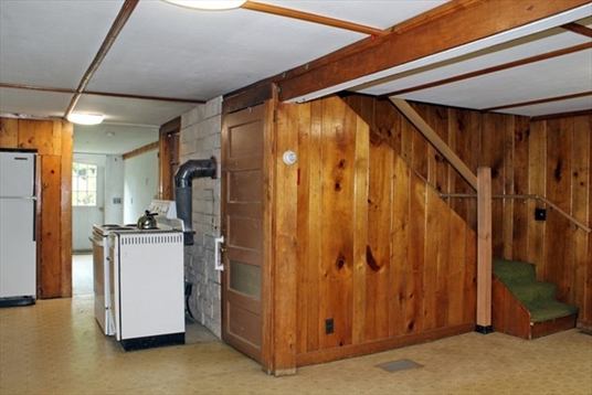561 Adamsville Road, Colrain, MA: $145,000