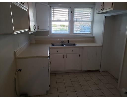 84 Halford St, Gardner, MA 01440