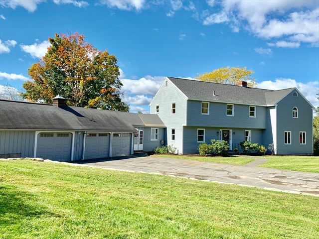 25 Mount Pollux Drive Amherst MA 01002