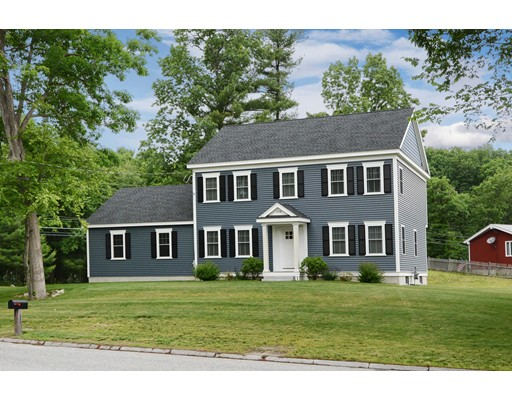 136 Lakeview Ave, Tyngsborough, MA 01879
