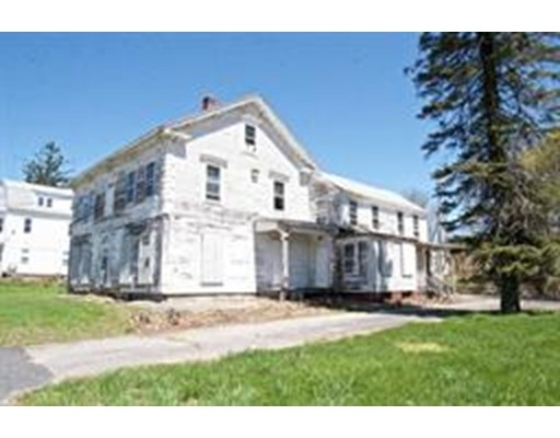 25 Pleasant St, Leicester, MA 01524