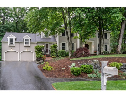 7 Greenbough Ln, Wellesley, MA 02482