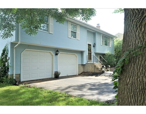 7 Ryefield Dr, Enfield, CT 06082