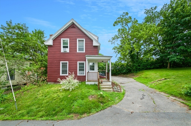 12 Rigby Place Clinton MA 01510