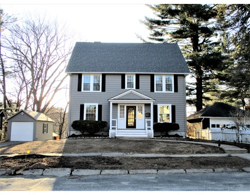 76 Moore Avenue, Worcester, MA 01602