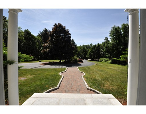 9 Breezy Point Way, Acton, MA 01720