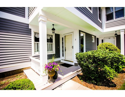 7 Apple Ct 7, Rockland, MA 02370