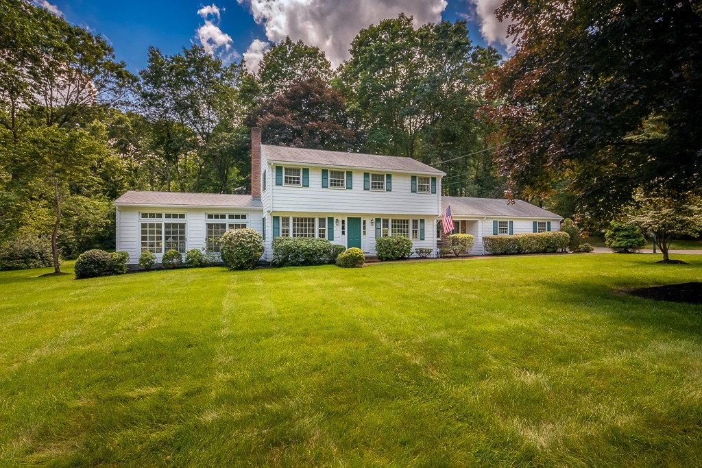 Photo of 6 Blackthorn Drive Southborough MA 01772
