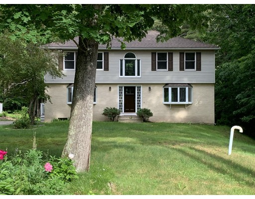 16 Woodlands Drive, Epping, NH 03042