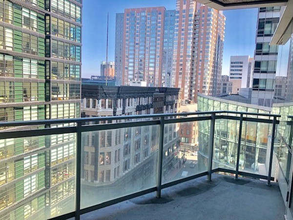Boston Highrise Condos $1.2M