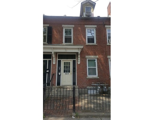 127 Garden St, Lawrence, MA 01840