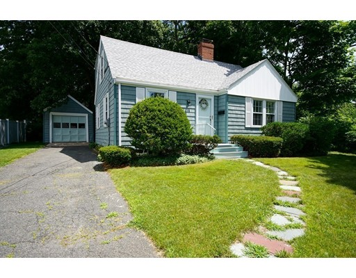 11 Clearview Ave, Lynn, MA 01904