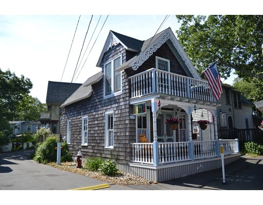 1 Hebron Ave, Oak Bluffs, MA 02557
