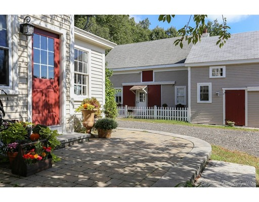 80 Drinkwater Rd, Hampton Falls, NH 03844