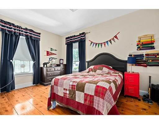 39 Lowell St, Braintree, MA 02184