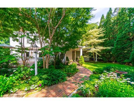 126 Cottage St, Brookline, MA 02445