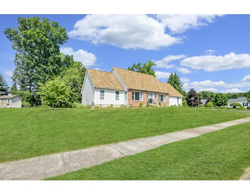 43 Waterford Dr, Westfield, MA 01085