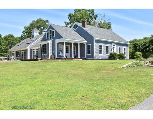 96 Sandra Lee Lane, Tiverton, RI 02878