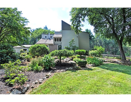 91 Warren Ave, Harvard, MA 01451