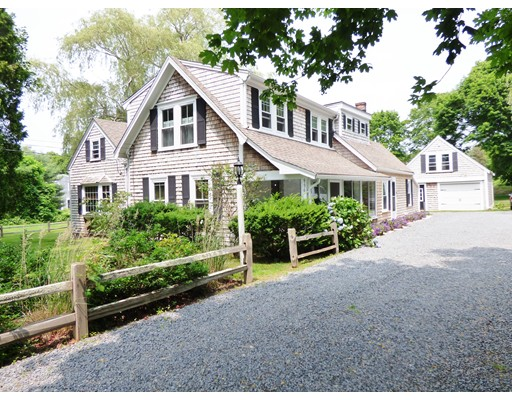 886 Main St, Barnstable, MA 02668