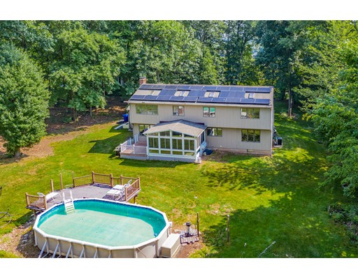 73 East St N, Suffield, CT 06078
