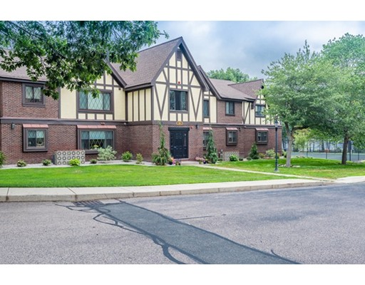 5 Royal Lake Dr Unit 2, Braintree, MA 02184