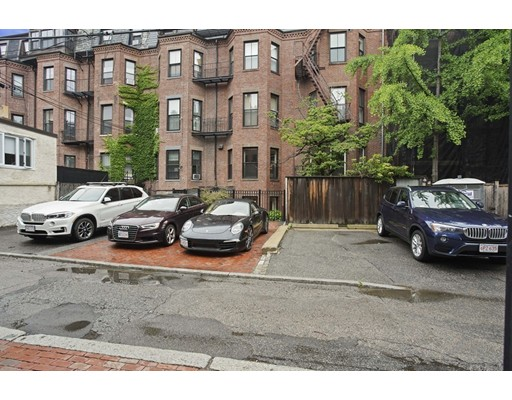 385 Beacon Street, Boston, MA 02116