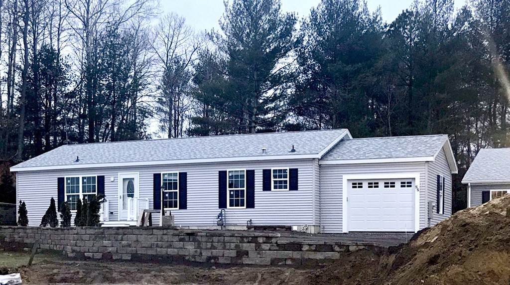 Groovy Mobile Home For Sale In Plymouth Ma Verani Realty Home Interior And Landscaping Oversignezvosmurscom
