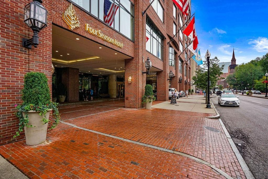 Photo of 220 Boylston St Boston MA 02116