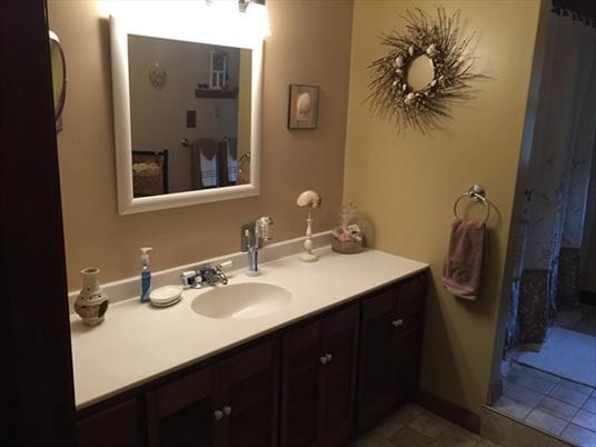 24 Barton Hts, Greenfield, MA: $260,000