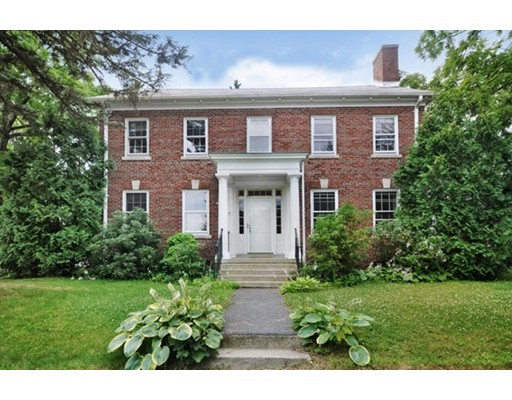 27 Walnut St, Devens, MA 01434