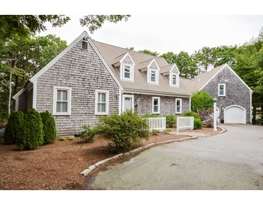 37 Greensward Cir, Mashpee, MA 02649