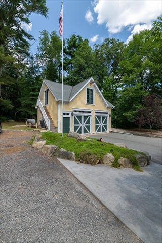 49 High Hill Road Dartmouth MA 02747