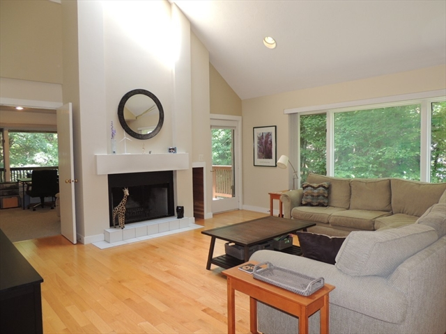 40 Apple Valley Dr, Sharon, MA, 02067,  Home For Sale