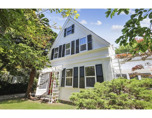 118 Old Stage Rd, Barnstable, MA 02632