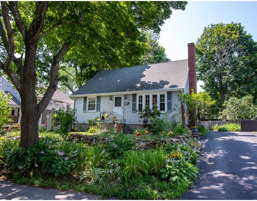 26 Trinity Ave, Worcester, MA 01605