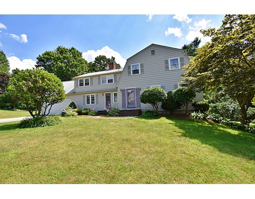 4 Essex Place, Chelmsford, MA 01824